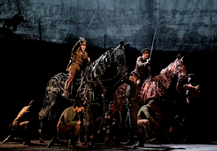 Theater Review: War Horse 『戦火の馬』