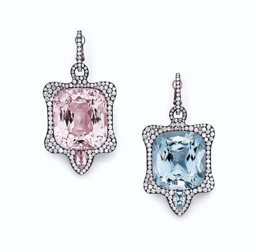 モルガナイトのピンクとアクアマリンのライトブルーで左右色違いの耳飾り。暗めの金属とパヴェダイヤが取り囲む。落札価格$204,000
